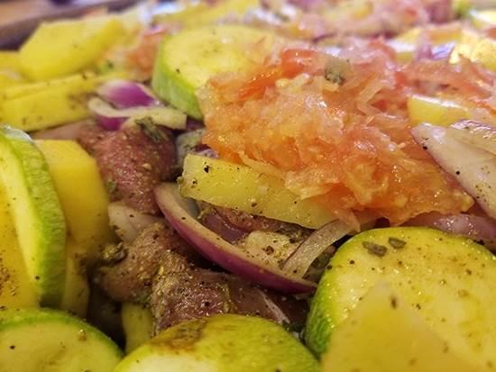 صورة Meat with Vegetables Tray